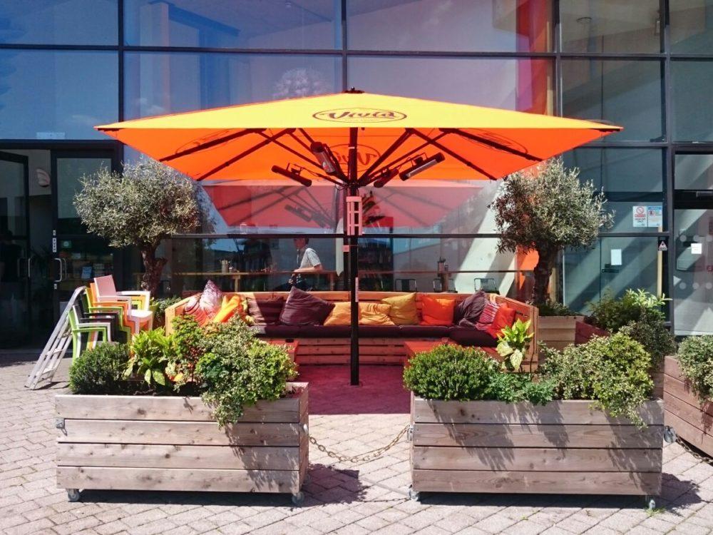 Vivid Lounge, A4M Xtreme Parasol